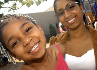mom_and_daughter_320x231.jpg