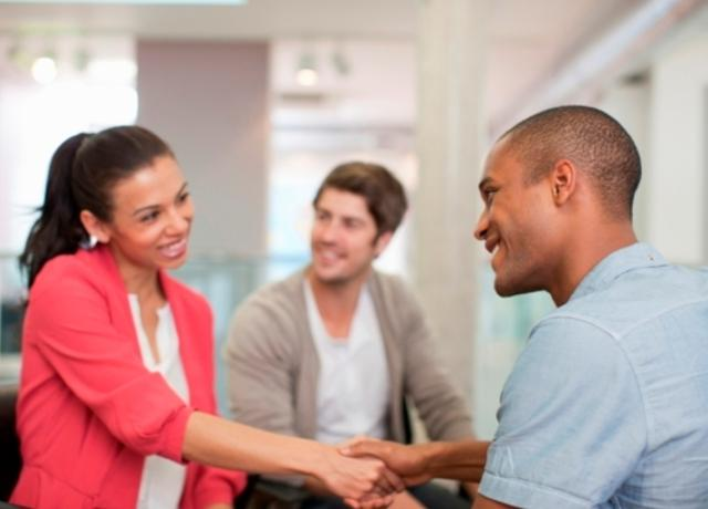 Mediation-people_20shaking_20hands-istockphotoSM.jpg