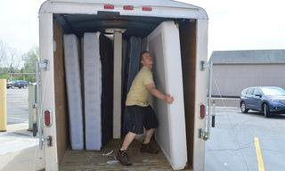 Mattresses_20in_20trailer.jpg