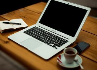 media_laptop.jpg