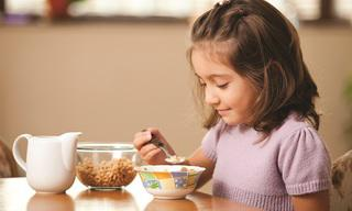 girl_20eating_20breakfast_202.jpg