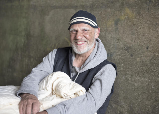 shutterstock_480309349_20_2__20homeless_20man_20outside.jpg