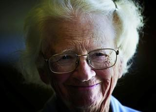 Elderlywoman s