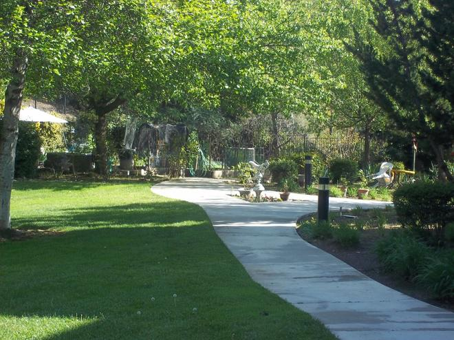 Valley Oaks Apartments | Housing Properties | Volunteers of America