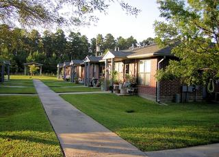 Photo of Camelot Pines Apartments