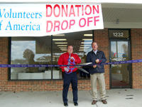 Thrift_Donation_20Drop_20off_Ribbon_20Cutting_202014_thumbnail_20200x150.jpg