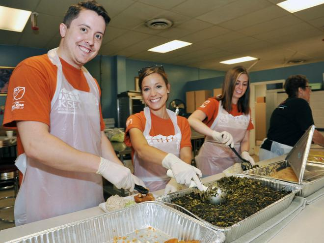 Serve Meals To Denver S Homeless And In Need Volunteer